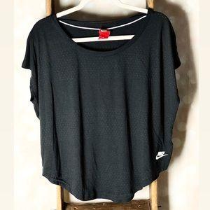 Nike Loose Fit Short Sleeve Workout Shirt